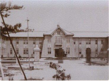old_faculty_building.jpg